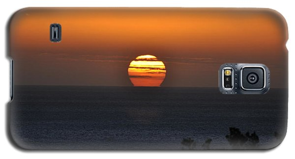 Galaxy S5 Case featuring the photograph When The Sun Sets by Sabine Edrissi
