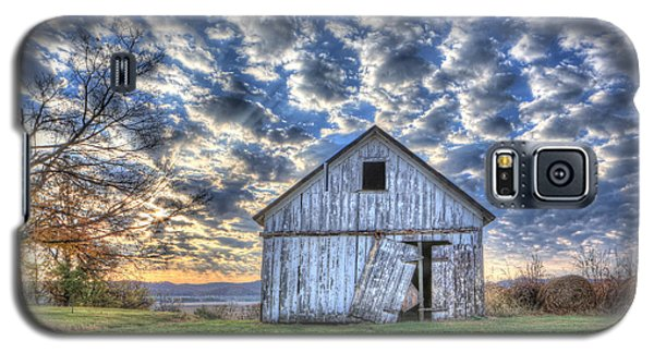 White Barn At Sunrise Galaxy S5 Case