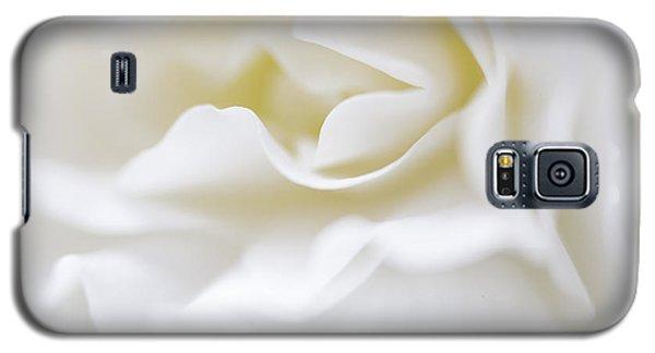 White Begonia Petals Galaxy S5 Case