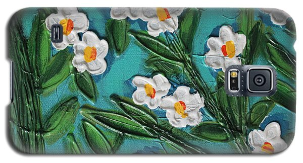 Galaxy S5 Case featuring the painting White Blooms 2 by Cynthia Snyder