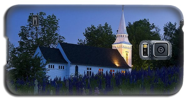 White Church At Dusk In A Field Of Lupines Galaxy S5 Case