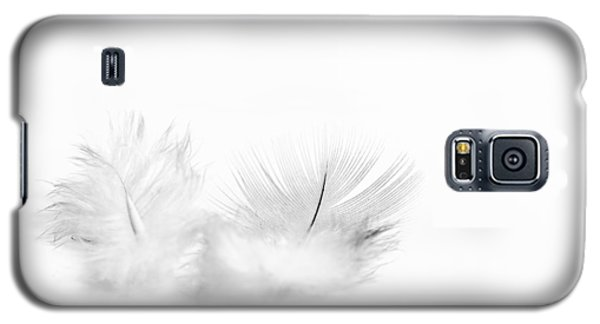White Feathers Galaxy S5 Case