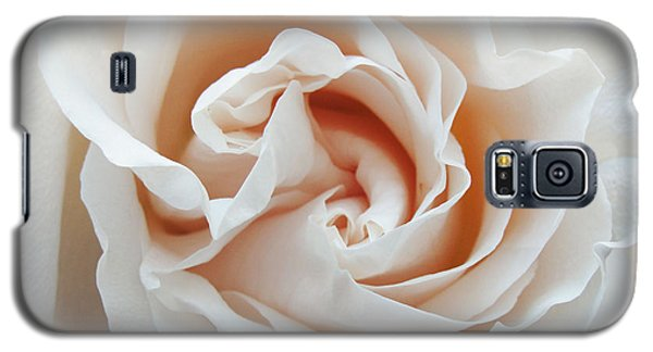 Galaxy S5 Case featuring the photograph White Rose by Tiffany Erdman
