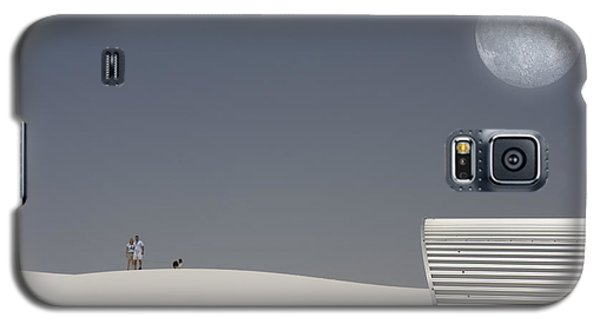 White Sands Moonrise Galaxy S5 Case by Bruce Rolff