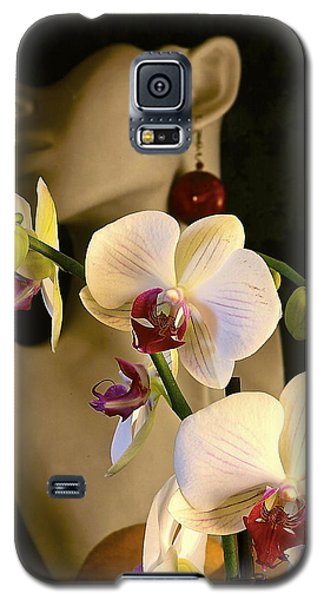 Galaxy S5 Case featuring the photograph White Shoulders by Elf Evans