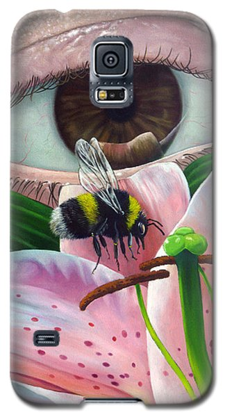 White Tailed Bumble Bee Upon Lily Flower Galaxy S5 Case
