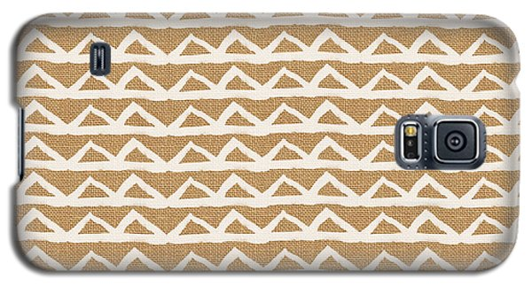 White Triangles On Burlap Galaxy S5 Case by Linda Woods