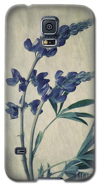 Portraits Galaxy S5 Case - Wild Lupine by Priska Wettstein