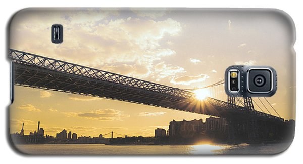 City Sunset Galaxy S5 Case - Williamsburg Bridge - Sunset - New York City by Vivienne Gucwa
