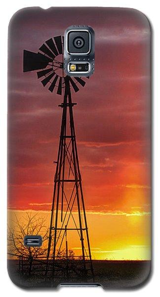 Windmill And Light Pillar Galaxy S5 Case