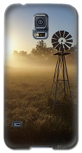 Windmill In The Fog Galaxy S5 Case by Jennifer White