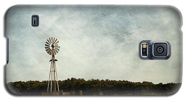 Windmill On The Farm Galaxy S5 Case by Beverly Stapleton