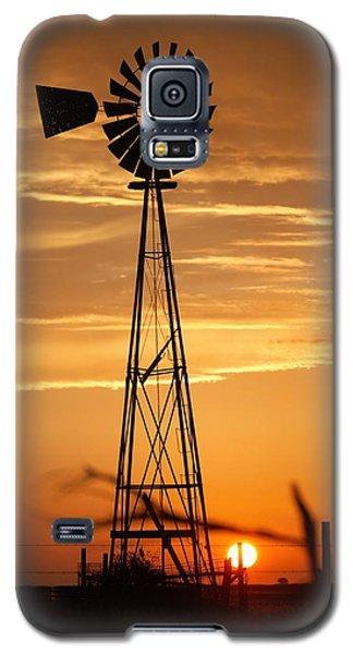 Windmill On The Prairie Galaxy S5 Case by Shirley Heier