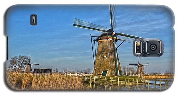 Windmills And Bridge Near Kinderdijk Galaxy S5 Case
