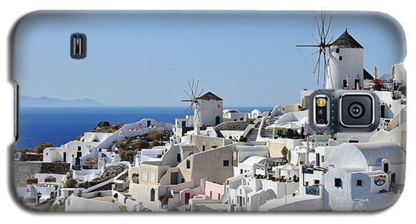Windmills And White Houses In Oia Galaxy S5 Case