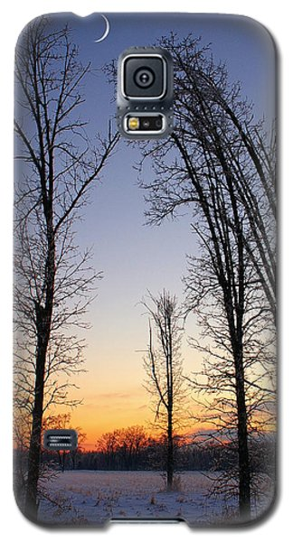 Galaxy S5 Case featuring the photograph Winter At Dusk by Randy Pollard