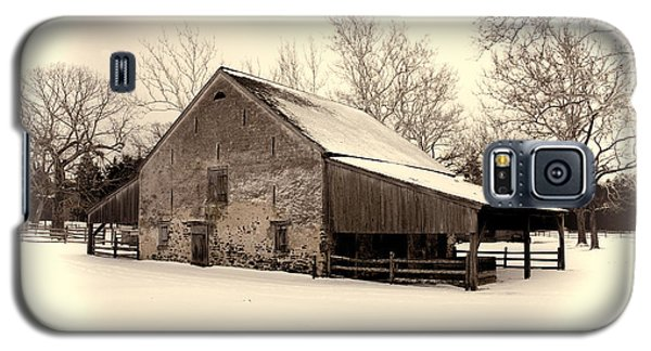Winter At The Horse Barn Galaxy S5 Case