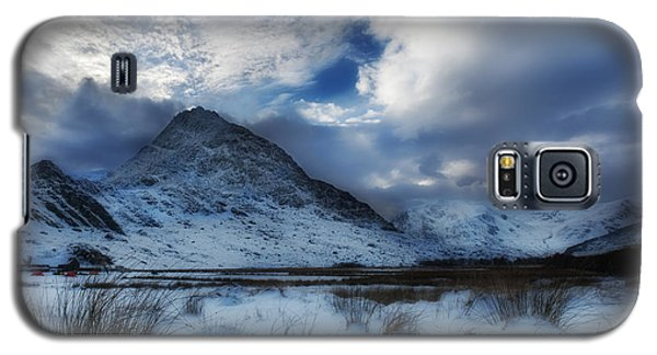 Winter At Tryfan Galaxy S5 Case by Beverly Cash