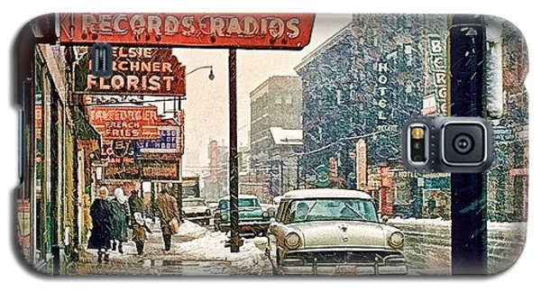 Galaxy S5 Case featuring the photograph Winter Day On Euclid Avenue by Ludwig Keck