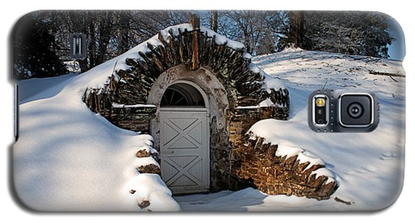 Winter Hobbit Hole Galaxy S5 Case