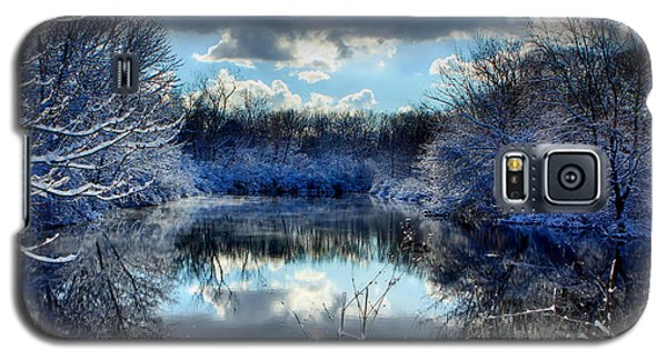 Galaxy S5 Case featuring the photograph Winter In April 2014 by Jerome Lynch