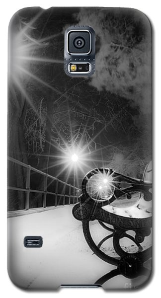 Winter Night Along The River Galaxy S5 Case