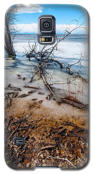 Winter Shore At Barr Lake_2 Galaxy S5 Case by Tom Potter