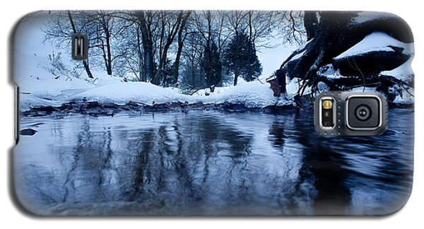 Winter Snow On Stream Galaxy S5 Case