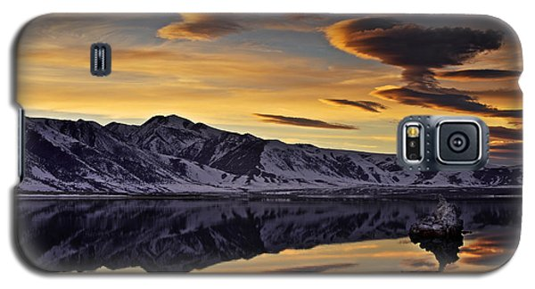 Winter Sunset At Mono Lake Galaxy S5 Case