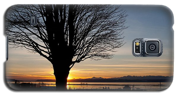 Galaxy S5 Case featuring the photograph Winter Sunset by Erin Kohlenberg