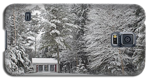 Galaxy S5 Case featuring the photograph Winter Wonderland by Barbara West
