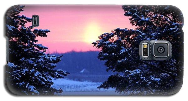 Galaxy S5 Case featuring the photograph Winter's Sunrise by Elizabeth Winter