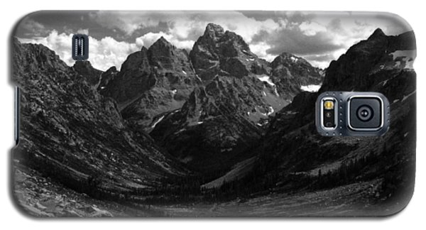 Galaxy S5 Case featuring the photograph Within The North Fork Of Cascade Canyon by Raymond Salani III