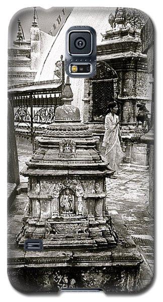 Woman At Swayambhu Galaxy S5 Case