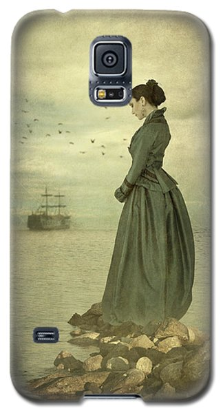 Galaxy S5 Case featuring the photograph Woman Looking Out To Sea by Ethiriel  Photography