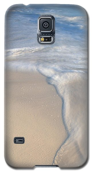 Woman On Beach Galaxy S5 Case