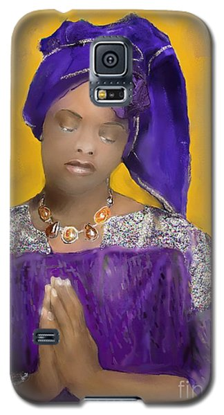 Galaxy S5 Case featuring the painting Woman Praying by Vannetta Ferguson