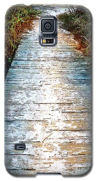 Wooden Path Galaxy S5 Case by Linda Olsen