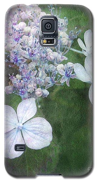 Woodland Hydrangea In Blue Galaxy S5 Case
