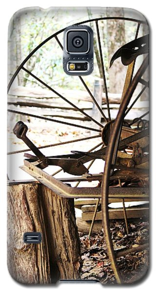 Galaxy S5 Case featuring the photograph Woody And Wheely by Faith Williams