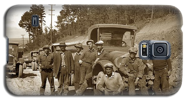 Workers On Highway One Monterey Carmel Hill California 1929 Galaxy S5 Case