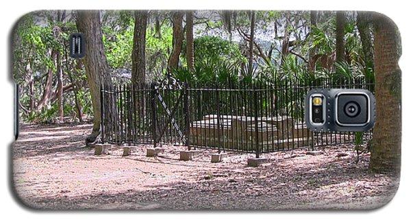 Wormsloe Cemetery Plot Galaxy S5 Case by D Wallace