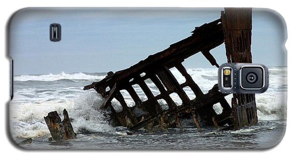 Wreck Of The Peter Iredale Galaxy S5 Case by Chalet Roome-Rigdon
