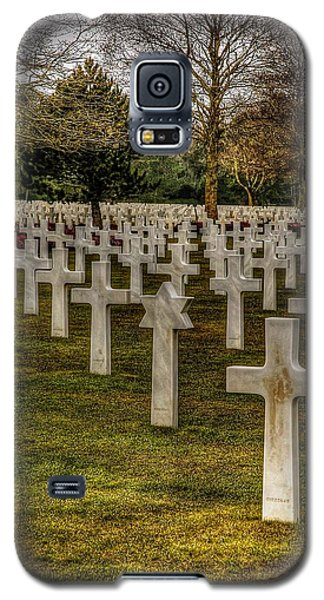 Galaxy S5 Case featuring the photograph Ww II War Memorial Cemetery by Elf Evans