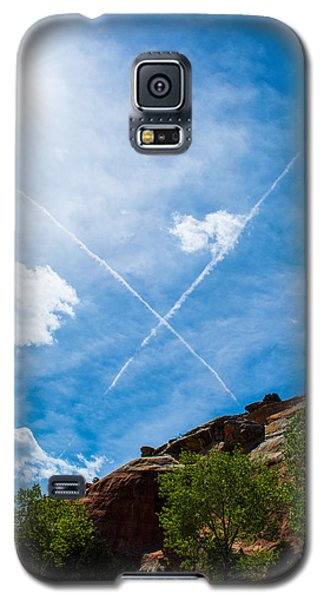 Galaxy S5 Case featuring the photograph X Marks by Rhys Arithson