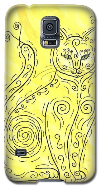 Galaxy S5 Case featuring the painting Yellow Cat Squiggle by Susie Weber