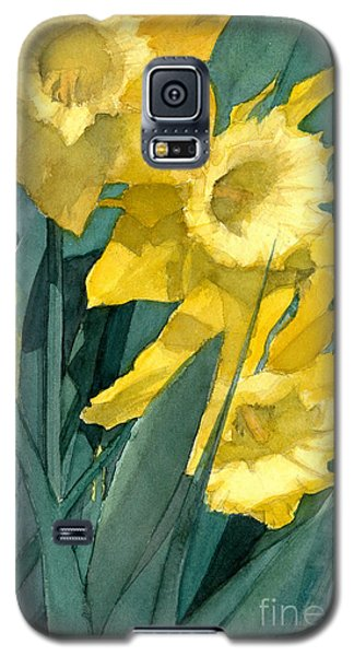 Galaxy S5 Case featuring the painting Yellow Daffodils by Greta Corens