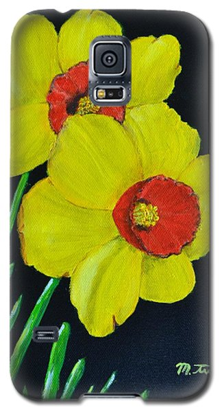 Galaxy S5 Case featuring the painting Yellow Daffodils by Melvin Turner