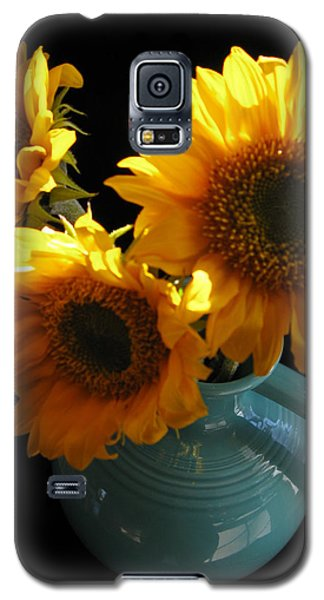 Galaxy S5 Case featuring the photograph Yellow Flowers In Fiesta Pitcher by Patricia Januszkiewicz