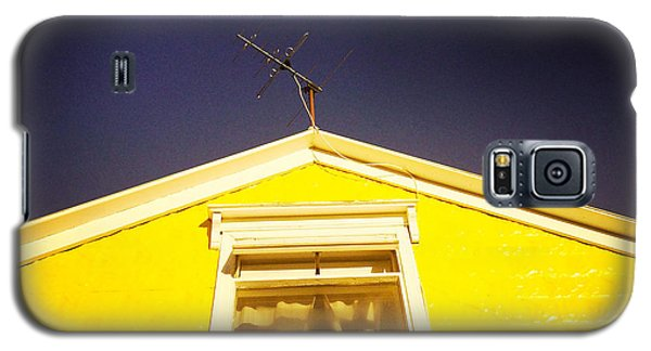 Yellow House In Akureyri Iceland Galaxy S5 Case
